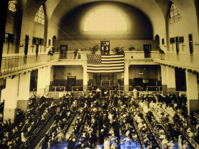 Ellis island processing of immigrants